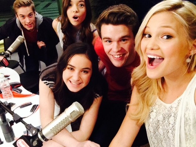 """The Cast of Disney Channel's """"I Didn't Do It"""""""