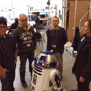 R2-D2 Is in Star Wars: Episode VII, and He's Fan-Made